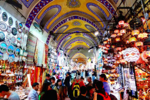 Top-10-best-markets-for-shopping-in-the-world-Grand-Bazaar-Istanbul